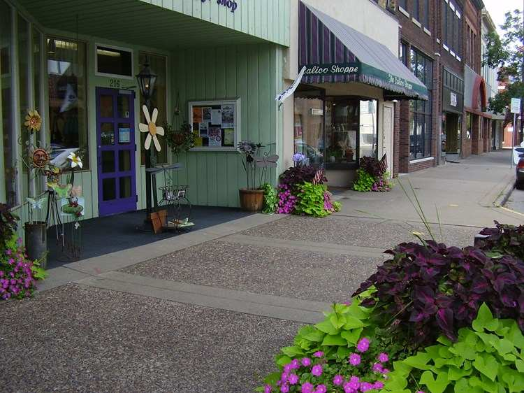Calico Shoppe in Eau Claire, Wisconsin on QuiltingHub